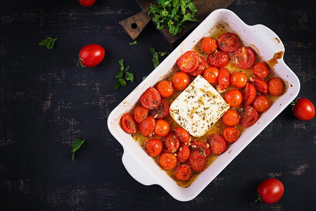"Conhece o queijo extremamente popular viral ""TikTok Feta pasta"""